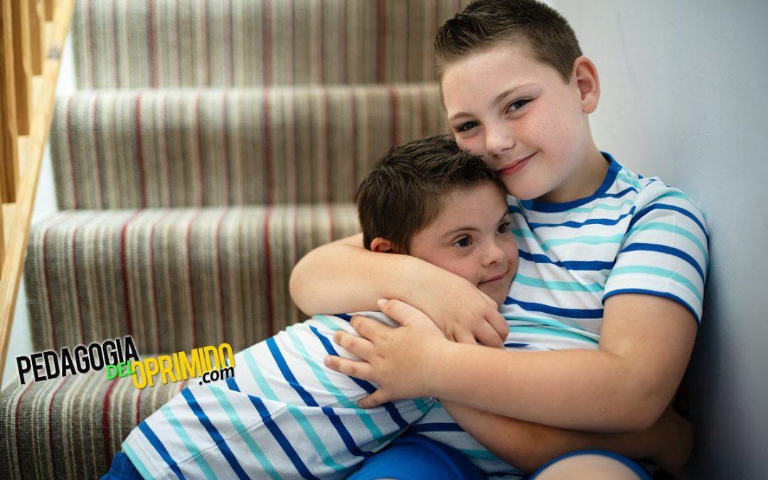 🤲😊 Hermanos de niños con una discapacidad: Lo que los padres necesitan saber (por la Dra. Nicole Carvill)